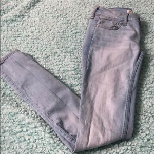 00r size holister jeans (very good conditions)